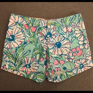 Lilly Pulitzer blue floral print shorts sz. 6